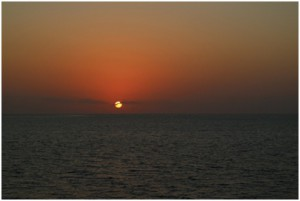 Figure5. The first sunset at JOIDES Resolution cruise IODP 359 (photo credit by Santi)