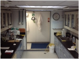 微化石研究室(船内のラボでは最も景色がいいそうです)