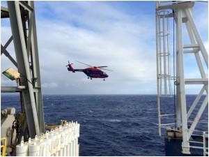 写真5.急患搬送のためにモーリシャスから飛んできたヘリコプター